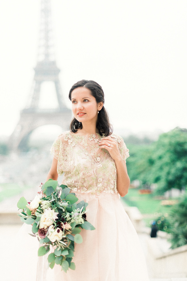 Romance and sunshine in Paris - a beautiful elopement story with Victoria JK Lamburn Photography (10)
