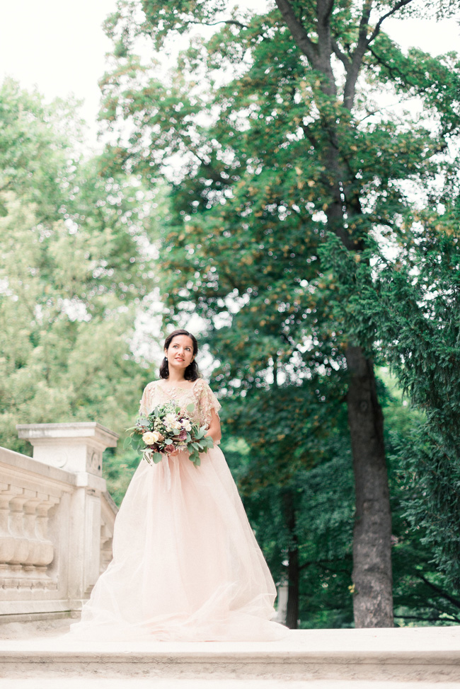 Romance and sunshine in Paris - a beautiful elopement story with Victoria JK Lamburn Photography (12)