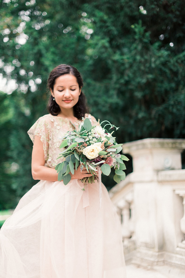 Romance and sunshine in Paris - a beautiful elopement story with Victoria JK Lamburn Photography (14)