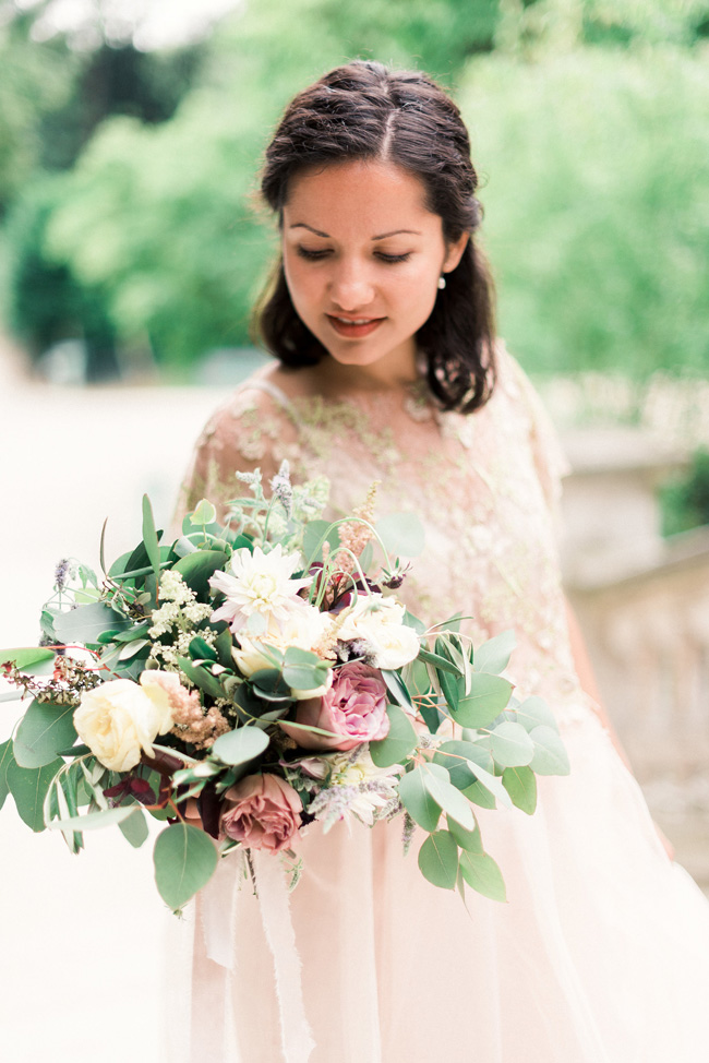 Romance and sunshine in Paris - a beautiful elopement story with Victoria JK Lamburn Photography (18)