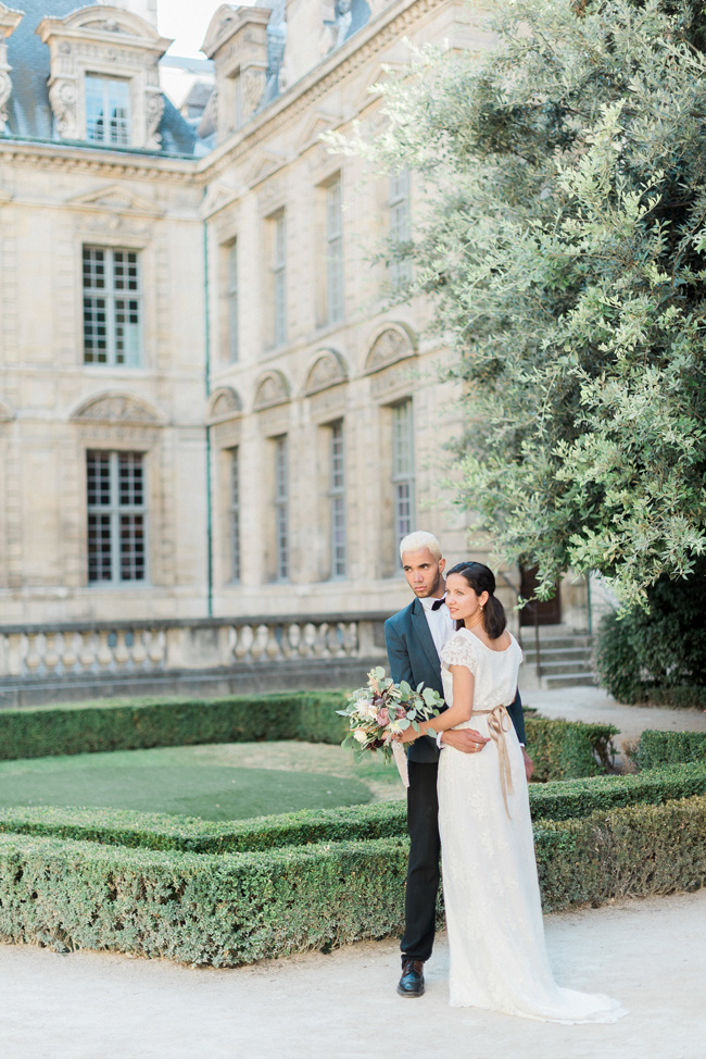 Romance and sunshine in Paris - a beautiful elopement story with Victoria JK Lamburn Photography (23)