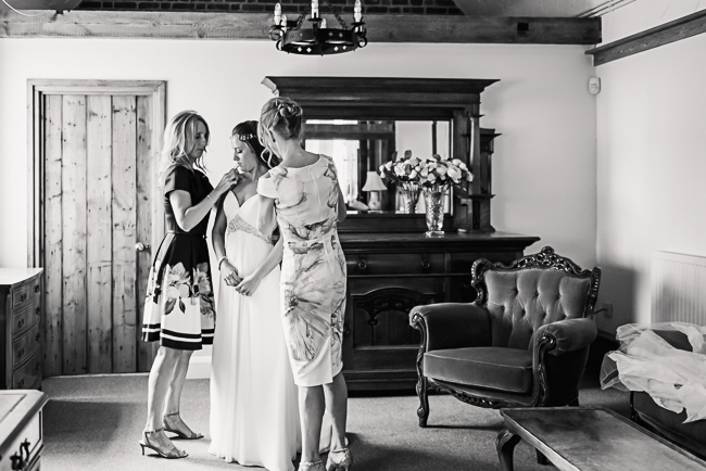 A prettily decorated elegant barn wedding in Kent with Penny Young Photography (12)