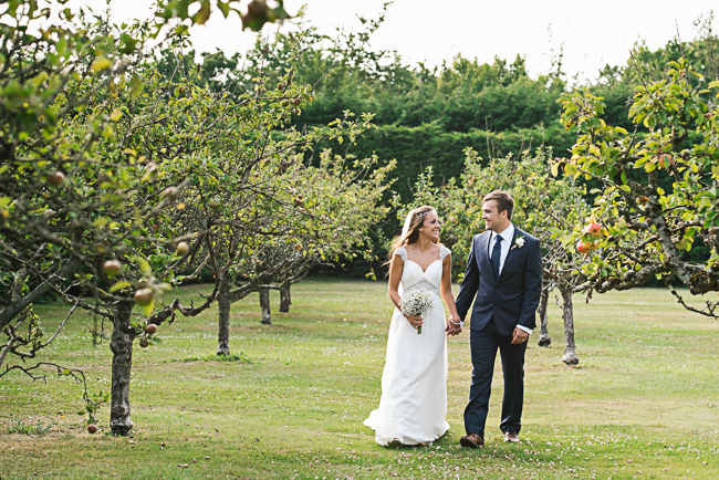 A prettily decorated elegant barn wedding in Kent with Penny Young Photography (31)