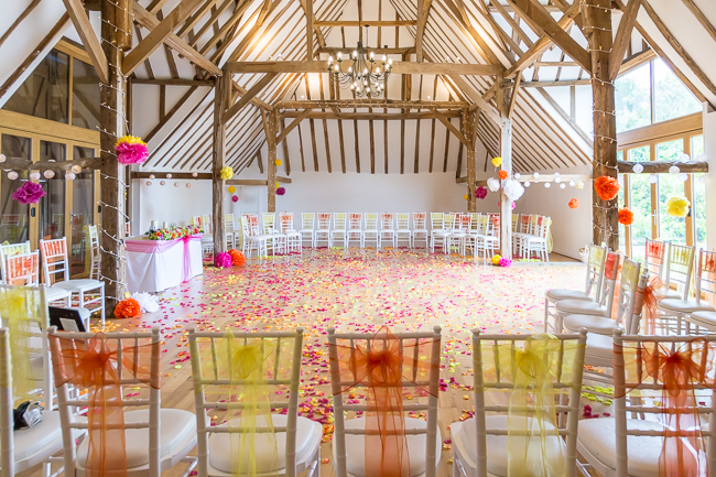 Tropical wedding inspiration at Skylark Country Club with VeVi Photography (4)