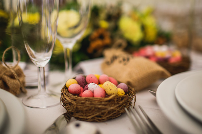 Bright and interesting Easter wedding tables with character on the English Wedding Blog (17)