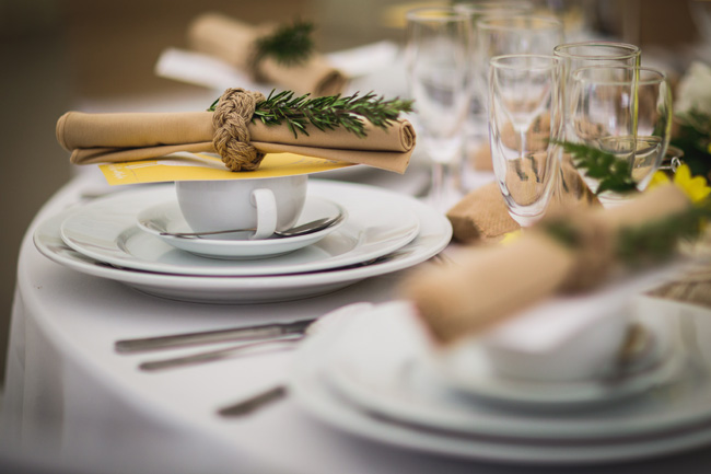 Bright and interesting Easter wedding tables with character on the English Wedding Blog (3)