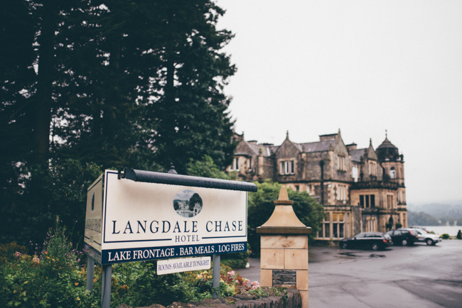 Simple and elegant wedding ideas from the Langdale Chase Hotel, Lake District. Helen Jane Smiddy Photography (1)