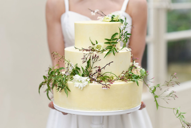 Naturally simple and beautiful #weddinginspo with Eva Tarnok Photography on the English Wedding Blog (22)