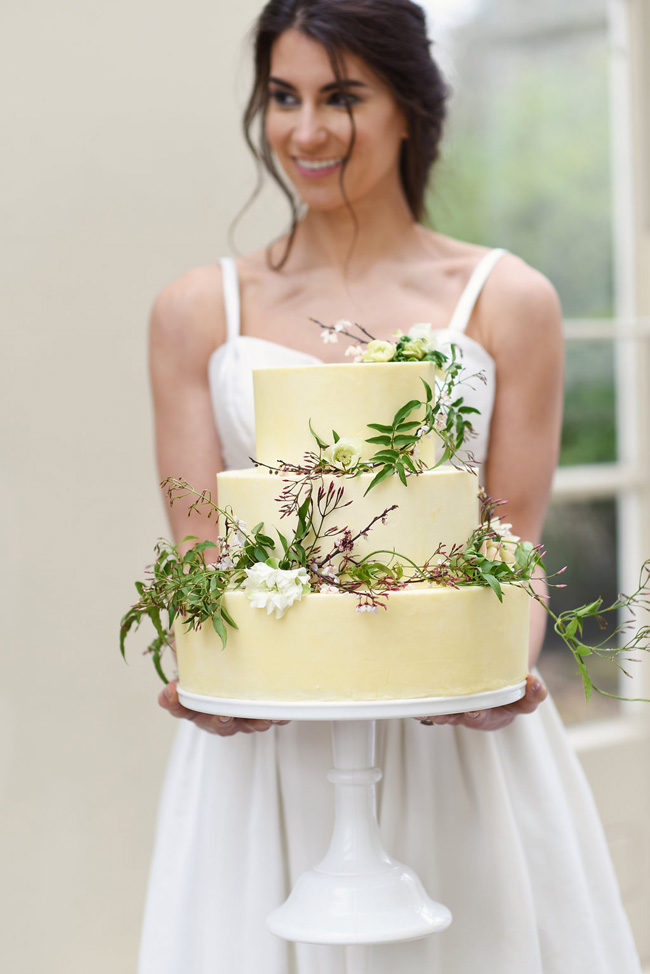 Naturally simple and beautiful #weddinginspo with Eva Tarnok Photography on the English Wedding Blog (23)