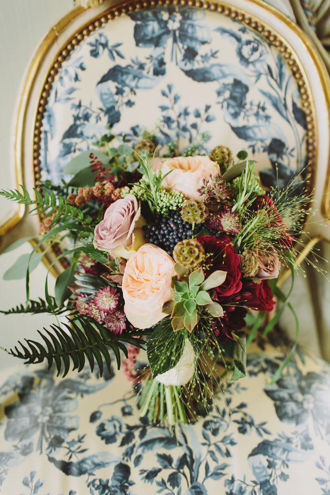 Stunning, vibrant wedding ideas from Sezincote House in Gloucestershire with Luke Hayden Photography (11)