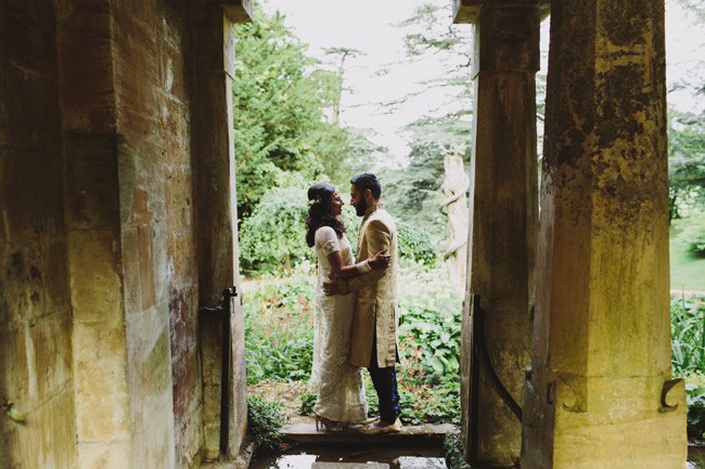 Stunning, vibrant wedding ideas from Sezincote House in Gloucestershire with Luke Hayden Photography (27)