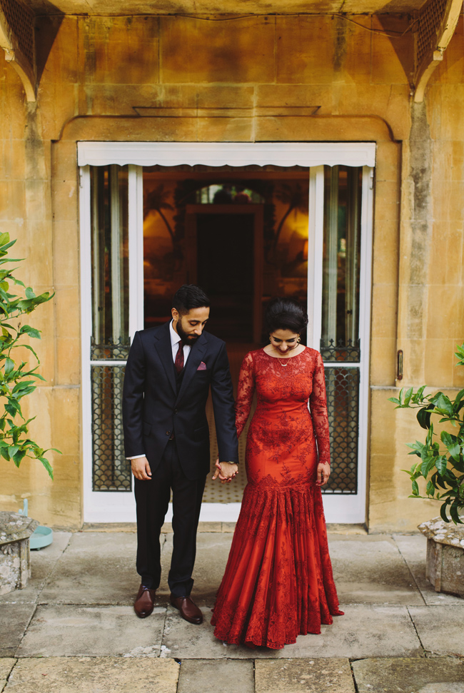 Stunning, vibrant wedding ideas from Sezincote House in Gloucestershire with Luke Hayden Photography (41)