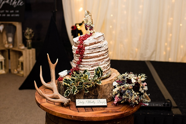winter wedding styling ideas and gorgeous real wedding images with Damian Burcher Photography (27)