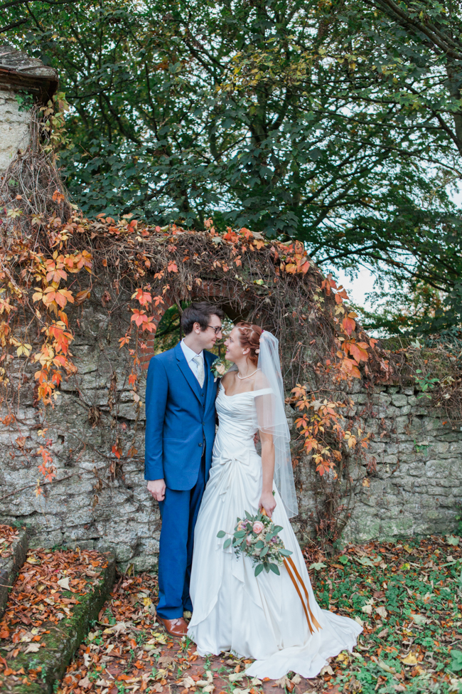 Vibrant autumn colours and tons of styling ideas for a Notley Barn wedding with Amanda Karen Photography (34)