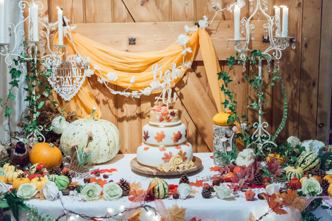 Vibrant autumn colours and tons of styling ideas for a Notley Barn wedding with Amanda Karen Photography (11)