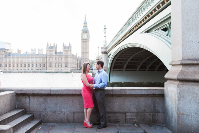 Relaxed and natural engagement shoots in London with lovely Amanda Karen Photography (8)
