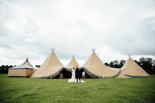 Tipi wedding ideas in Derbyshire, with Humpston and Bull Photography (15)
