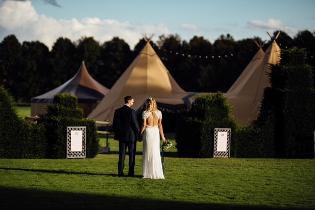 Tipi wedding ideas in Derbyshire, with Humpston and Bull Photography (27)