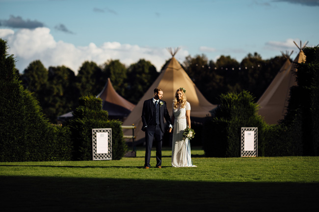 Tipi wedding ideas in Derbyshire, with Humpston and Bull Photography (28)