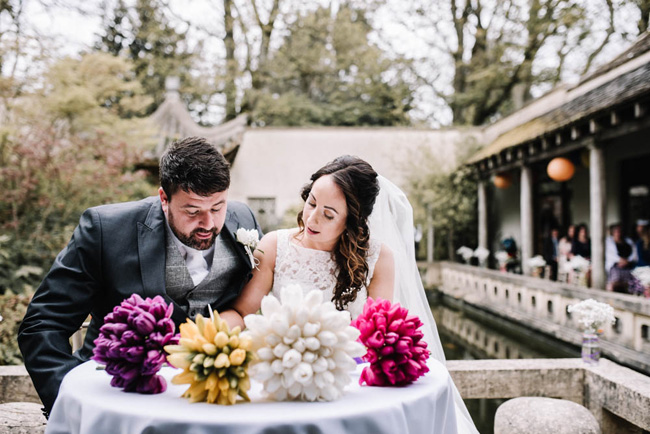 Bright and colourful spring wedding styling at the Matara Centre on the English Wedding Blog with Oobaloos Photography (20)