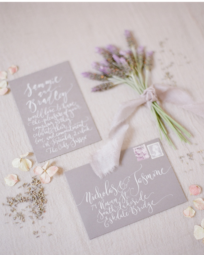 Simple wedding styling ideas for a fine art wedding, image by Lara Rios Photography (1)