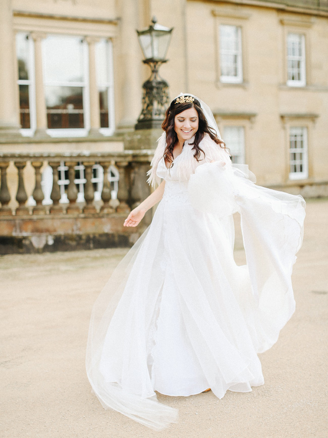 Fabulous inspo for a 1920s vintage wedding at Broughton Hall on the English Wedding Blog (23)