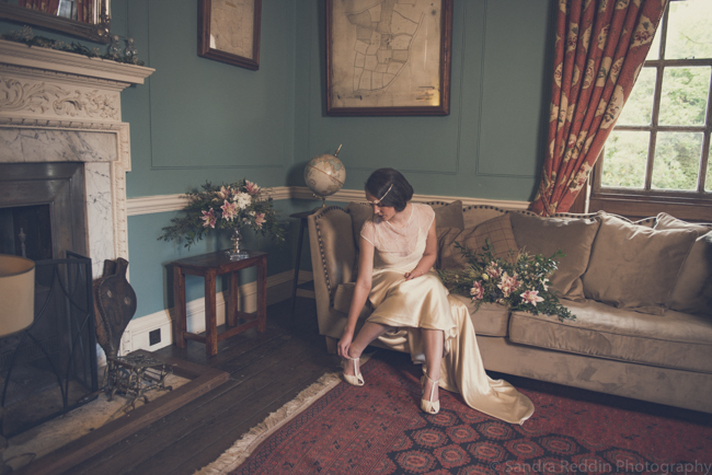 1930s true vintage wedding styling from Sprivers Mansion in Kent, with Sandra Reddin Photography (34)