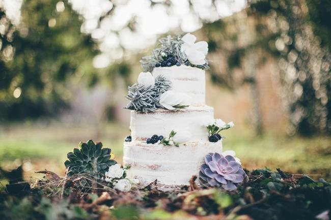Beautiful winter wedding styling at Lainston House with Hayley Savage Photography (2)