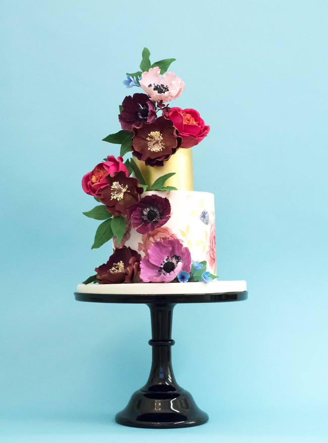 Tiered and single tier wedding cake inspiration by Rosalind Miller Cakes (1)