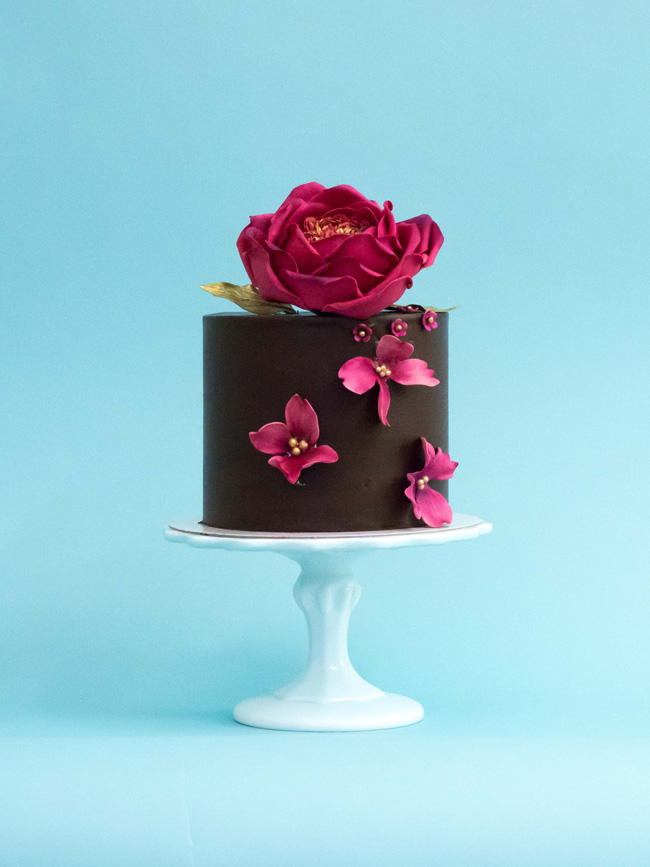 Tiered and single tier wedding cake inspiration by Rosalind Miller Cakes (2)