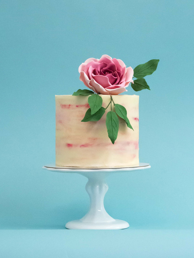 Tiered and single tier wedding cake inspiration by Rosalind Miller Cakes (4)