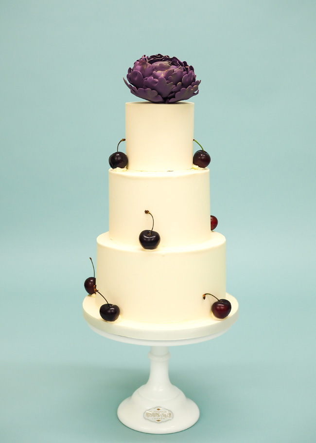 Tiered and single tier wedding cake inspiration by Rosalind Miller Cakes (12)