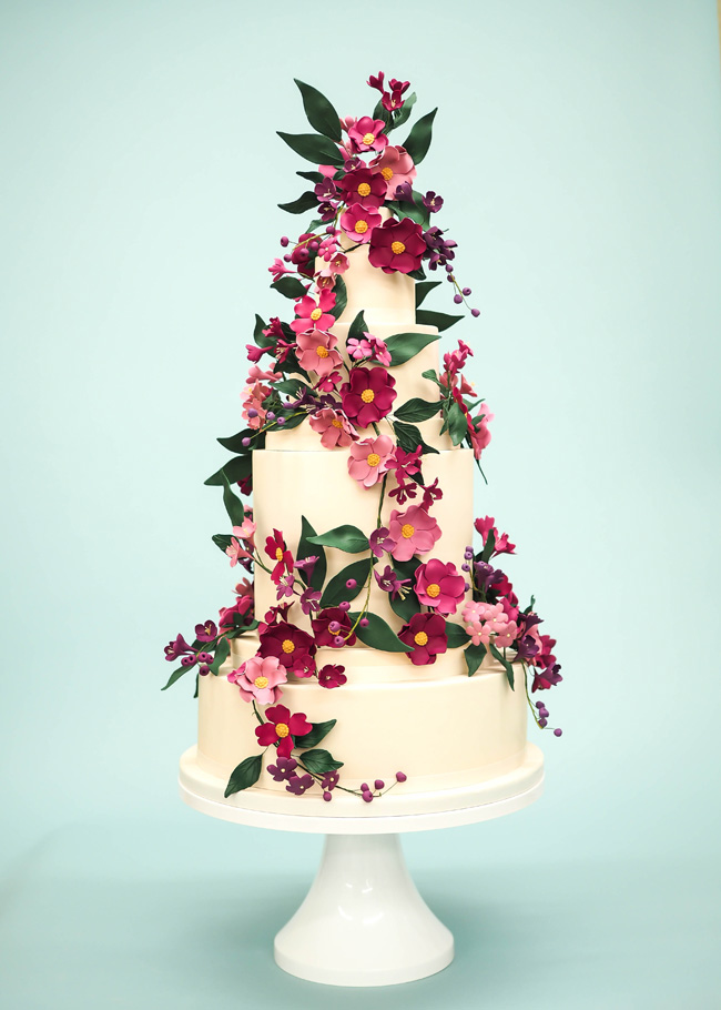 Tiered and single tier wedding cake inspiration by Rosalind Miller Cakes (13)