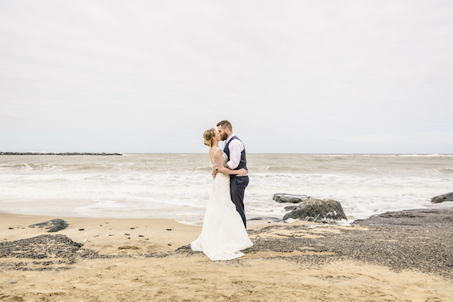 Lovely relaxed beach wedding barn inspo with Ayshea Goldberg Photography (17)