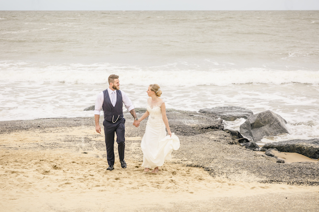 Lovely relaxed beach wedding barn inspo with Ayshea Goldberg Photography (19)