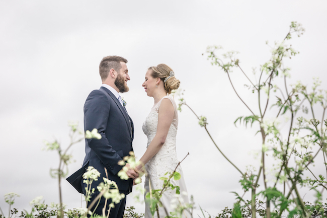 Lovely relaxed beach wedding barn inspo with Ayshea Goldberg Photography (24)