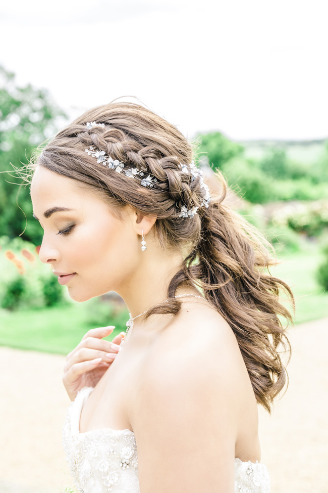 Light, bright wedding styling ideas from Layer Marney Essex with Ayshea Goldberg Photography (19)