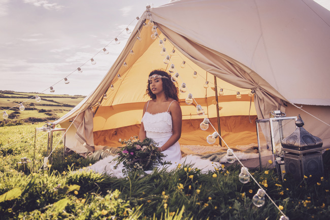 Boho beach wedding ideas - 3 looks on the English Wedding Blog. Image credit Ariana Fenton, Cornwall (13)