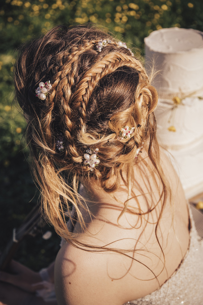 Boho beach wedding ideas - 3 looks on the English Wedding Blog. Image credit Ariana Fenton, Cornwall (23)