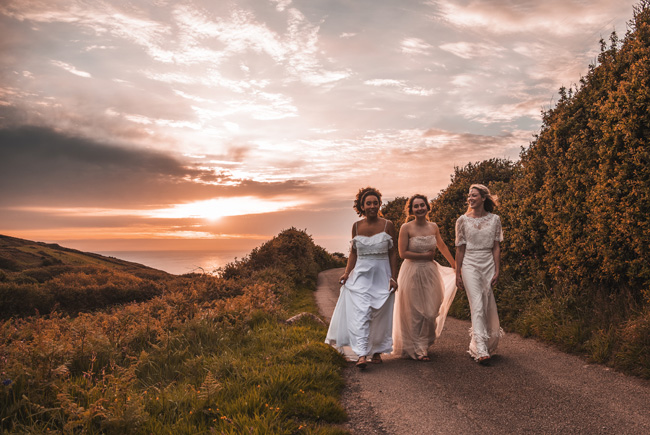Boho beach wedding ideas - 3 looks on the English Wedding Blog. Image credit Ariana Fenton, Cornwall (31)