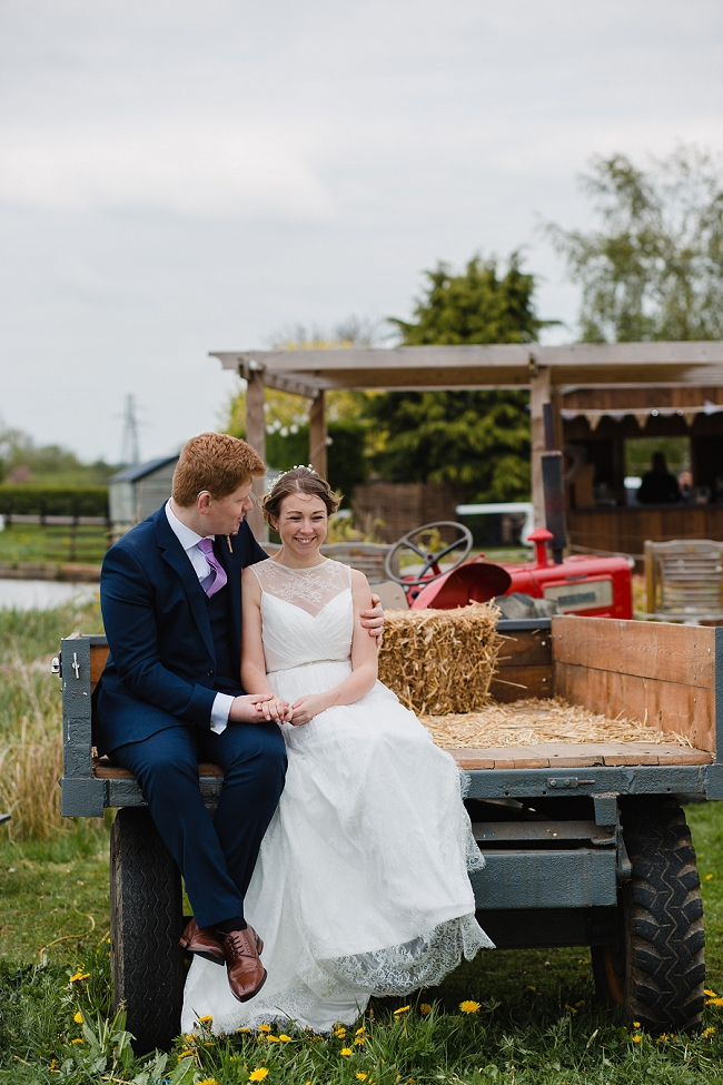 A romantic English wedding by the canal with images by Helen King Photography (17)