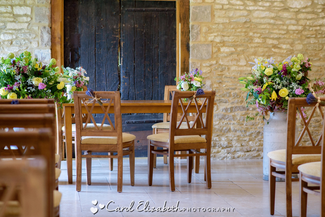 Traditional Oxford wedding styling for a pretty summer wedding with Carol Elizabeth Photography (8)