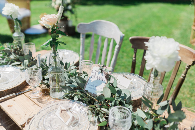 Outdoor wedding style ideas for 2018 at Hyde Bank Farm with Storyteller Photography (4)