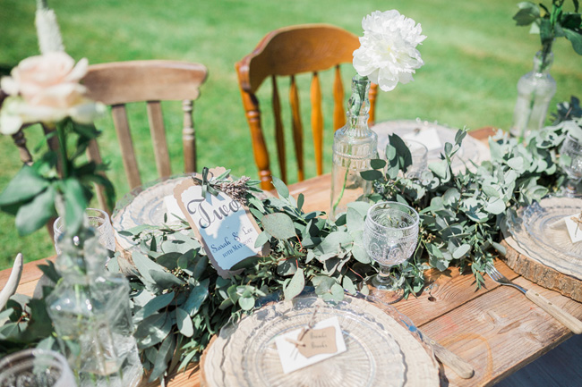 Outdoor wedding style ideas for 2018 at Hyde Bank Farm with Storyteller Photography (5)