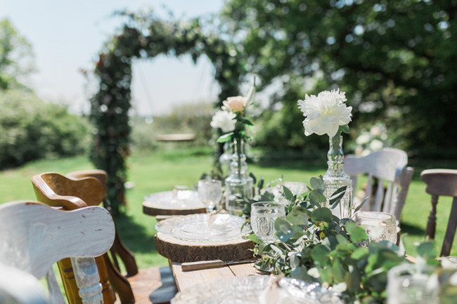 Outdoor wedding style ideas for 2018 at Hyde Bank Farm with Storyteller Photography (7)