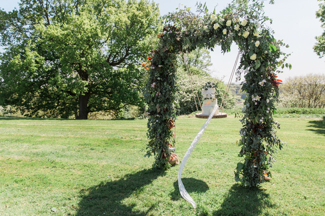 Outdoor wedding style ideas for 2018 at Hyde Bank Farm with Storyteller Photography (11)