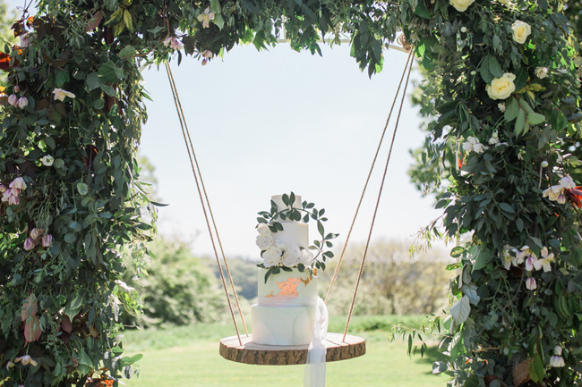 Outdoor wedding style ideas for 2018 at Hyde Bank Farm with Storyteller Photography (12)