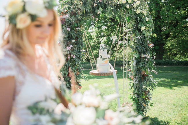 Outdoor wedding style ideas for 2018 at Hyde Bank Farm with Storyteller Photography (15)