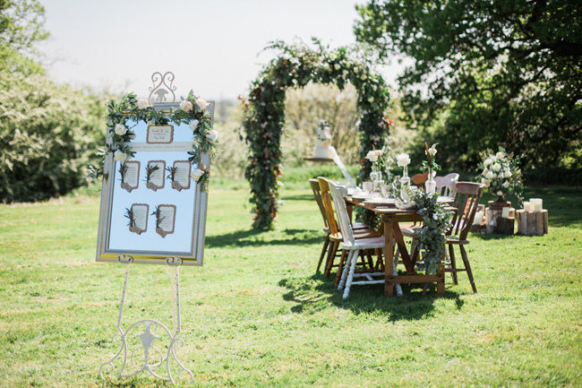 Outdoor wedding style ideas for 2018 at Hyde Bank Farm with Storyteller Photography (25)