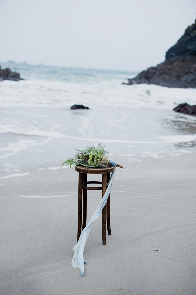 Tales of the sea - inspirational beach wedding style fromSerpentine Shores and Salt & Sea Photography (1)